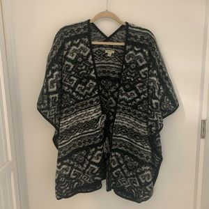 Lucky Brand Grey Tie Front Blanket Poncho Sweater